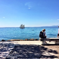 Blick auf den Gardasee mit Schiff. Mai 2016